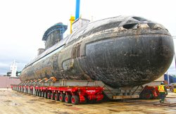 The application fields for hydraulic products from Neumeister are diversified: e.g. transportation of a submarine.